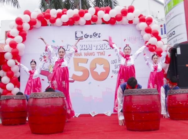 gogi-house-uu-dai-dip-khai-truong-nha-hang-thu-50