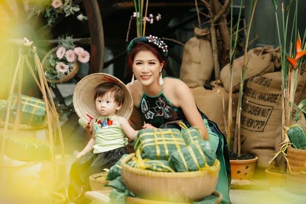 trang-tran-hanh-phuc-ben-con-gai-cung-3