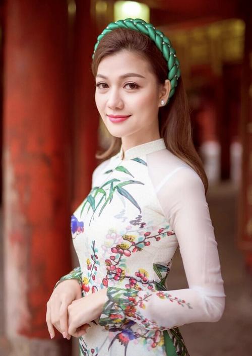 duc-vinh-nam-tay-nguoi-dep-thai-nhien-phuong-di-choi-tet-4