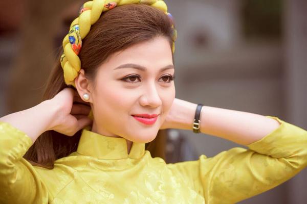 duc-vinh-nam-tay-nguoi-dep-thai-nhien-phuong-di-choi-tet-6