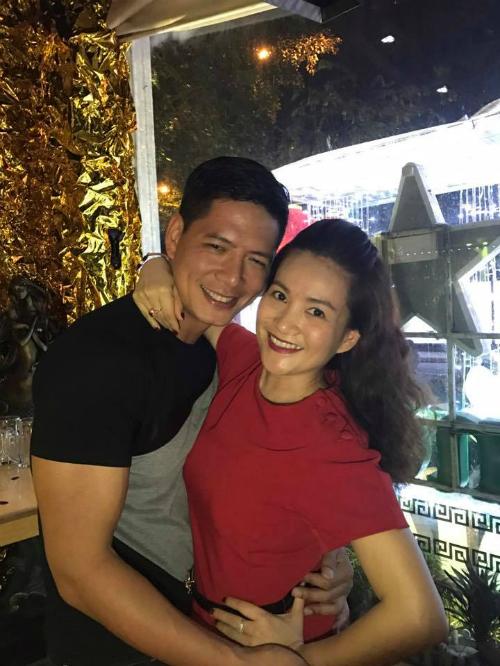 Bình Minh bị vợ đăng ảnh dìm hàng với caption: Facebook ai người đó đẹp.