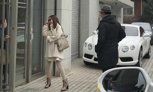 'Vợ chồng son' Bi Rain, Kim Tae Hee sắm nội thất cho tổ ấm