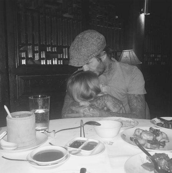 Becks và khoảnh khắc bình yên bên cô nhóc Harper trong những ngày