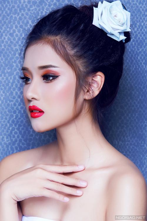 Bộ ảnh được thực hiện với sự hỗ trợ của Makeup & Hair: Hiếu Châu, Photo: Bảo Lê.