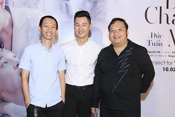 khanh-thi-tron-chong-den-mung-duc-tuan-ra-mat-mv-dong-tinh-4