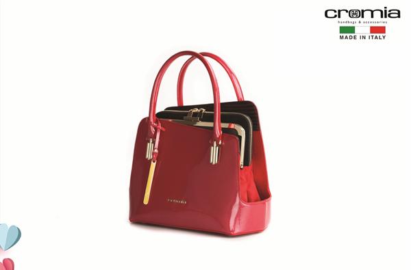 Bên cạnh đó, các thiết kế đặc biệt đến từ thương hiệu CROMIA, TOCCO TOSCANO cũng sẽ làm say mê giới mộ điệu thời trang bởi những màu sắc vui tươi, sống động.