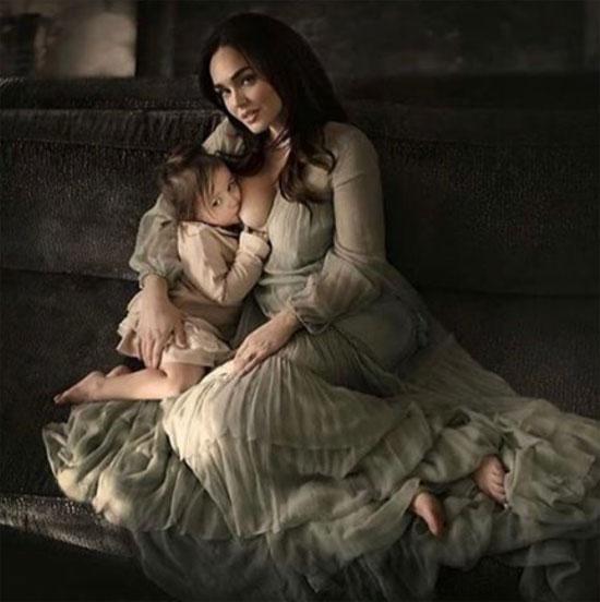 Người đẹp khẳng định sẽ cho Sophia ti cho đến khi nào bé chán.