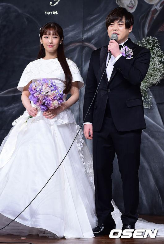 Chiều nay 12/2, đám cưới của nam ca sĩ nổi tiếng Hàn Quốc Moon Hee Jun