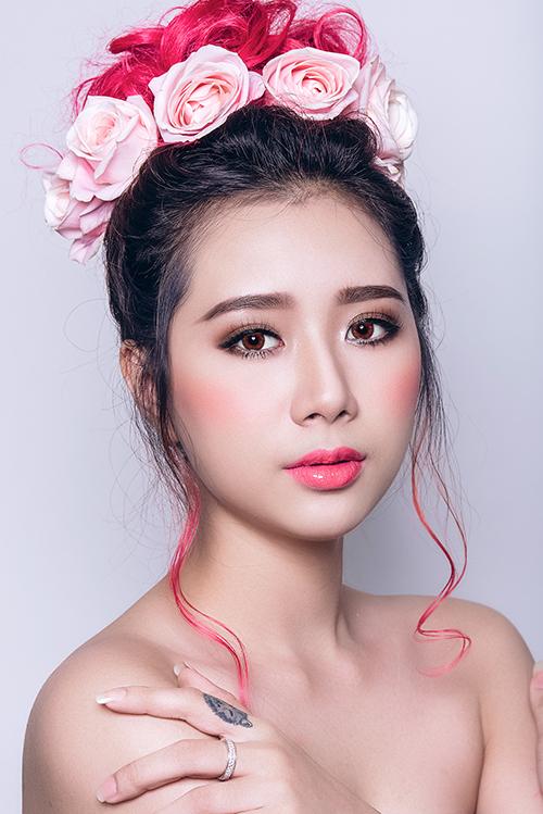 [Caption]Bộ ảnh được thực hiện bởi chuyên gia trang điểm Trần Thu Hà, model Tường Vân.