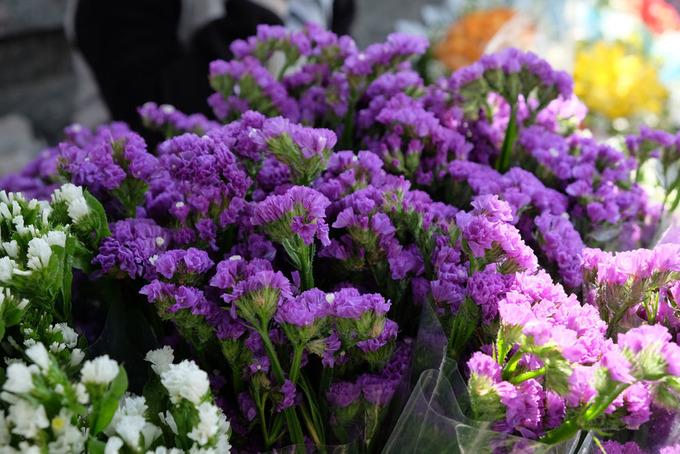 Chợ hoa Sài Gòn rực rỡ ngày Valentine