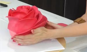 Ý tưởng trang trí bánh fondant cho đám cưới ngày Valentine