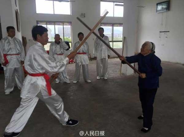 ngoai-gia-kungfu-90-nam-luyen-vo-3
