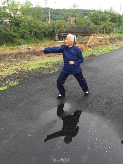 ngoai-gia-kungfu-90-nam-luyen-vo-4