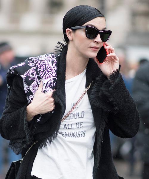 fashionista-the-gioi-va-con-sot-ao-thun-don-gian-5