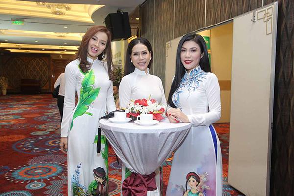 phuong-trinh-jolie-dien-ao-dai-van-sexy-2
