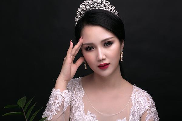 co-dau-lam-dieu-voi-phong-cach-trang-diem-thai-lan-4