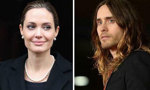 Jolie bị đồn hẹn hò Jared Leto