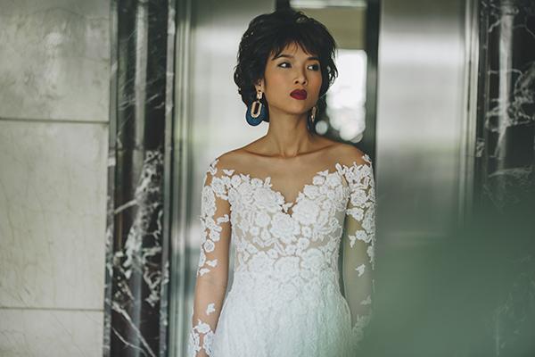 Vẫn trung thành với tông trắng kinh điển, trong bộ sưu tập mới, Trương Thanh Hải sử dụng cách thêu tinh xảo để làm nổi bật sự cầu kỳ mà tinh tế trong trang phục cưới.