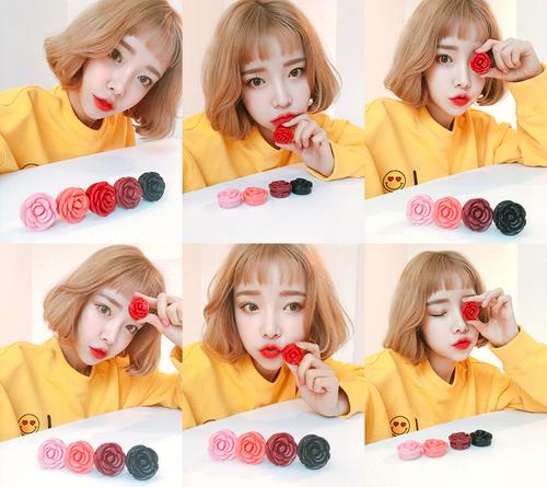 3CE Pot Lip được bán tạn Hàn Quốc với mức giá 4.000 kwon (khoảng 80.000 đồng). Tại Việt Nam, sản phẩm này được bán tại các cửa hàng mỹ phẩm xách tay với giá khoảng 100.000 đồng.