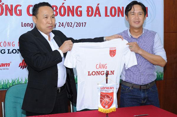cuu-danh-thu-minh-phuong-tuoi-roi-nhan-ghe-nong-o-long-an-7