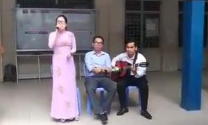 Cô giáo bắt nhịp cho cả trường hát 'Lạc trôi' của Sơn Tùng M-TP