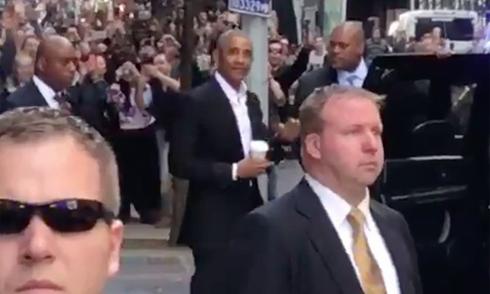 Obama gây náo loạn khi xuất hiện ở New York