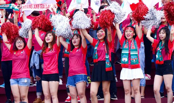 dan-hot-girl-theo-chan-cong-phuong-toi-long-an-8