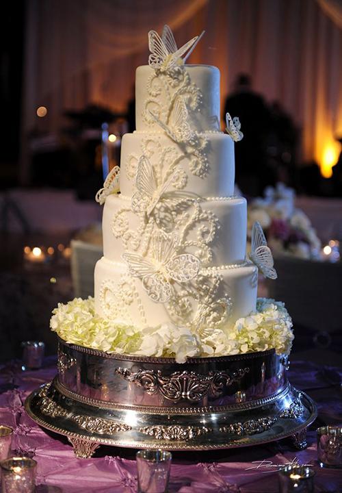 Uyên ương có thể chọn tông màu và họa tiết tùy theo sở thích hoặc phong cách chủ đạo của đám cưới. [Caption]