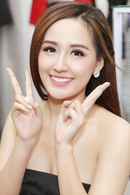 mai-phuong-thuy-lap-lo-nguc-day-khi-du-su-kien-5