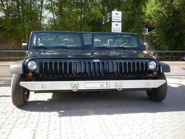Đến xe Jeep cũng phải lớn gấp đôi bình thường.