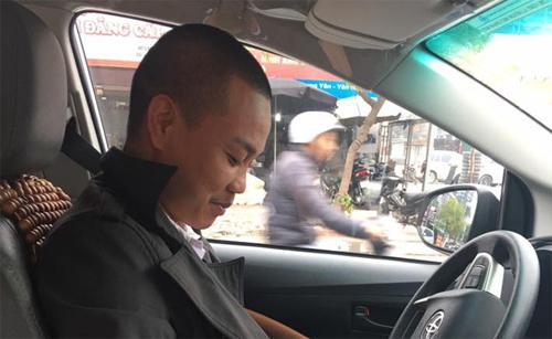 hanh-dong-dep-cua-tai-xe-taxi-va-loi-binh-xau-xi-tu-cong-dong