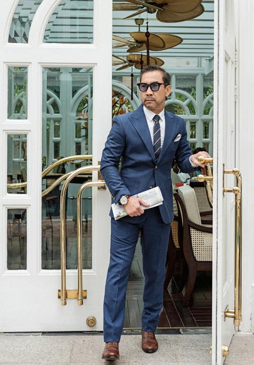 fashionista-viet-65-tuoi-dien-suit-lich-lam-1
