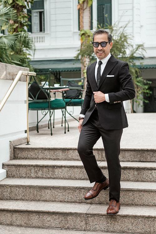 fashionista-viet-65-tuoi-dien-suit-lich-lam-5