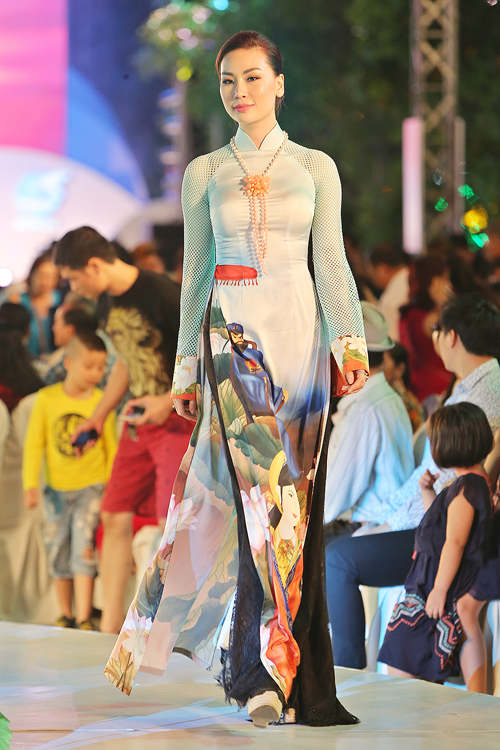 thuy-ngan-lam-vedette-dien-trong-le-hoi-ao-dai-8