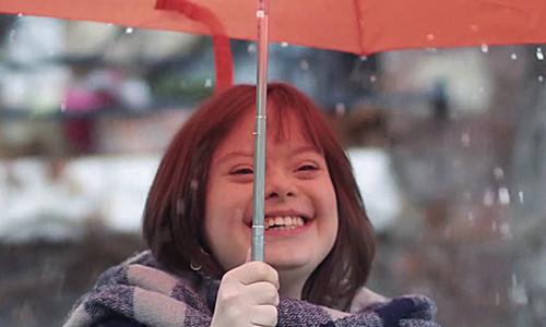Cô gái bị Down trở thành MC dự báo thời tiết ở Pháp