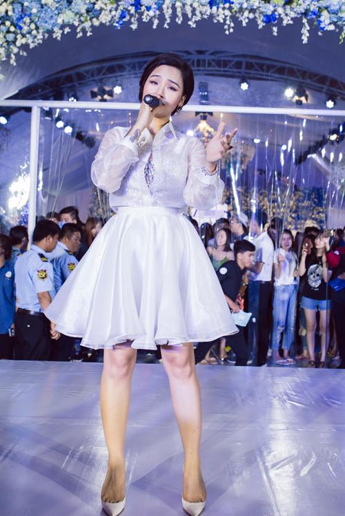 miu-le-lai-xe-hop-4-ty-chay-show-su-kien-4