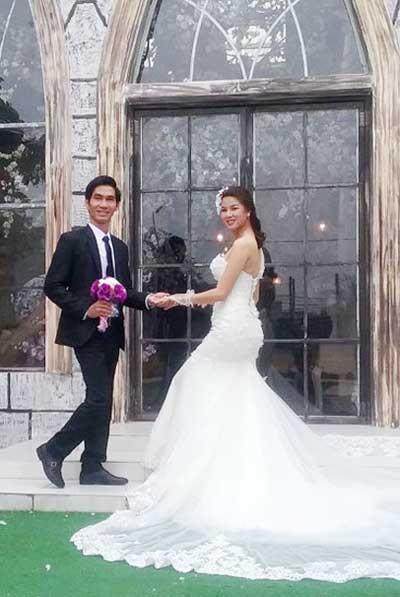 Chú rể người Nam Định cũng có cùng hoàn cảnh với cô dâu.