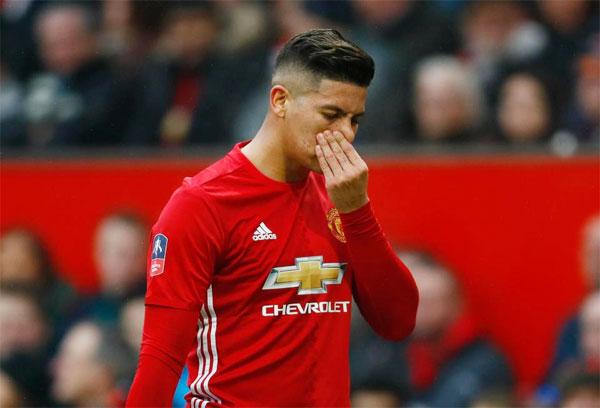 Hậu vệ Argentina nhận tin dữ về em họ sau khi phong độ khởi sắc tại MU và được gọi trở lại tuyển quốc gia.
