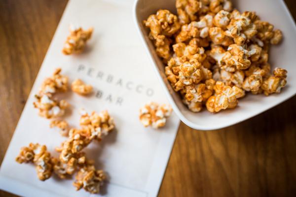 Nhâm nhi một chút bắp rang bơ vào buổi tối khi xem phim sẽ không làm bạn tăng cân.