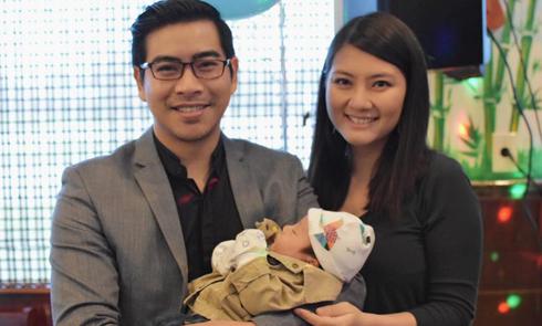 Vợ chồng Ngọc Lan mở tiệc đầy tháng cho con trai tại Mỹ