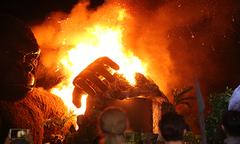 Sân khấu ra mắt 'Kong - Skull Island' tại Sài Gòn cháy rụi