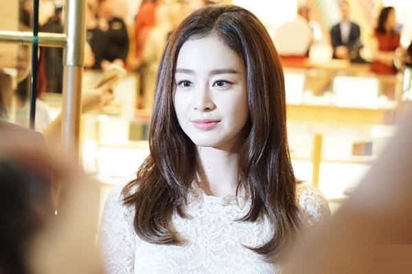 kim-tae-hee-co-chong-cang-man-ma-duyen-dang-3