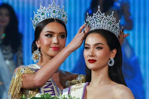 nguoi-dep-thai-lan-dang-quang-hoa-hau-chuyen-gioi-quoc-te-2
