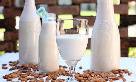 Sữa hạnh nhân thơm ngậy