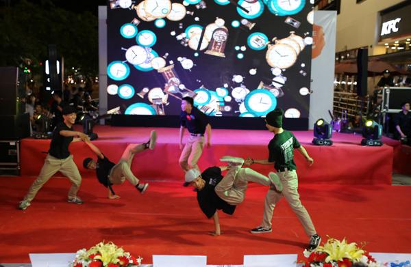 man-trinh-dien-soi-dong-tai-chung-ket-lotte-mart-contest-1