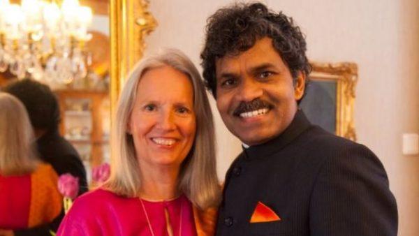 Ông P.K. Mahanandia và  người vợ tiền định Charlotte Von Schedvin.