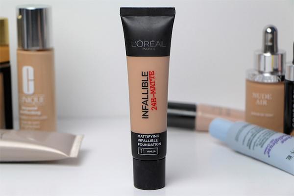 LOreal Infallible Pro-Matte 24 Hour Foundation chất kem nhẹ giúp che phủ toàn bộ da mặt suốt cả ngày giúp việc làm đẹp càng hiệu quả hơn. Giá tham khảo: 280.000 đồng.