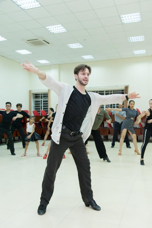 khanh-thi-moi-nha-vo-dich-dance-sport-the-gioi-sang-giang-day-1
