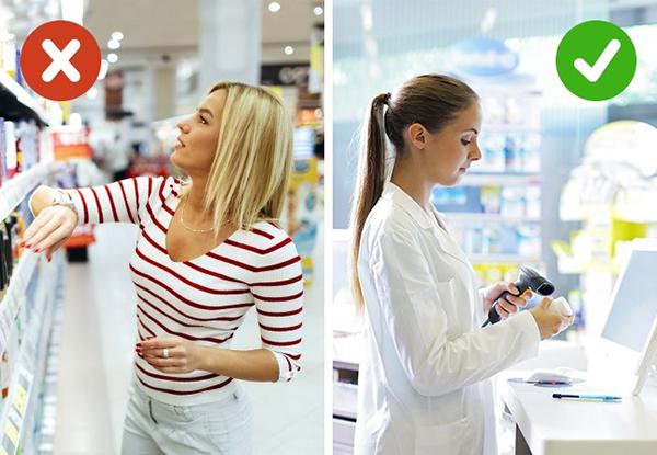 Dầu gội trị gàu Dầu gội trị gàu không hiệu quả như quảng cáo. Để trị sạch gàu, bạn cần mua thuốc gội tại các nhà thuốc chứ.