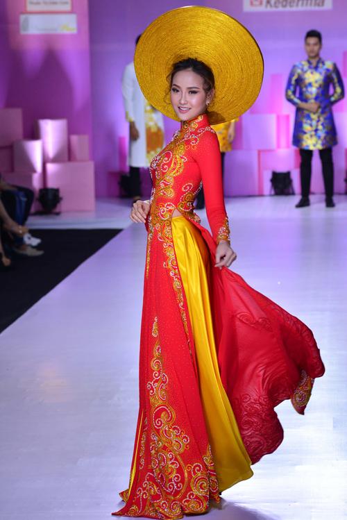 hoa-khoi-khanh-ngan-long-lay-voi-ao-dai-do-ruc